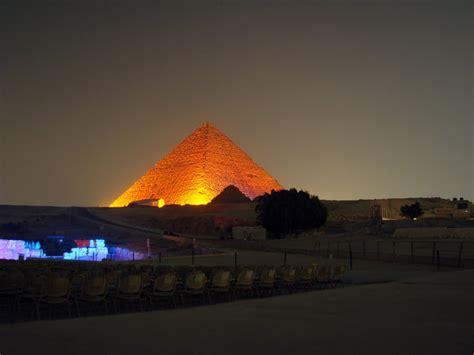buscar imagenes egipcias imagenes piramides de noche en egipto imagui