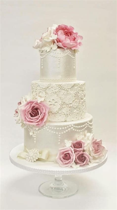 Simple Vintage Wedding Cake Ideas by 25 Best Ideas About Vintage Wedding Cakes On