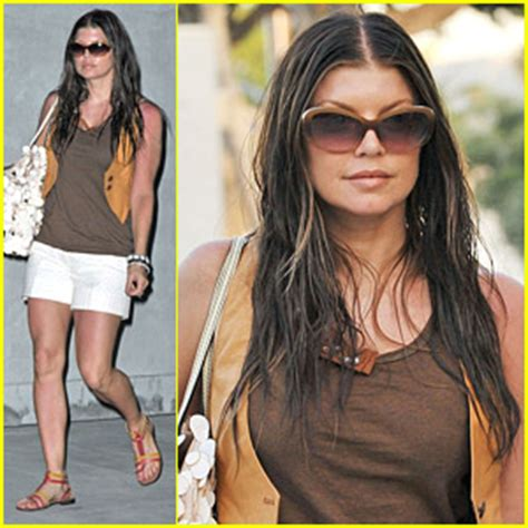 Fergie is a Savvy Shopper   Fergie : Just Jared