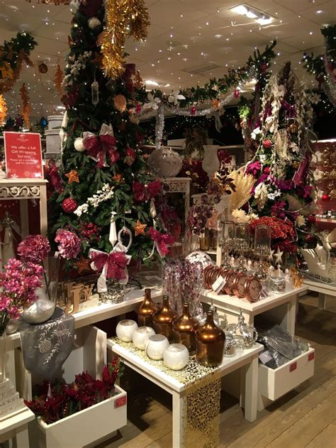 13 best christmas retail shop displays retail store