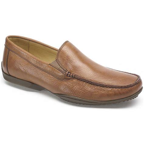 anatomic gel mens tavares cognac leather slip on shoes