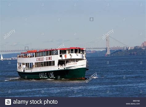 circle line tour boat on the hudson river in new york city - Boat Tour Hudson River