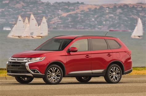 mitsubishi outlander in 2016 mitsubishi outlander reviews and rating motor trend