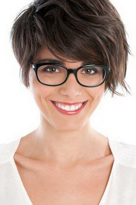 kurzhaarfrisuren damen brillentraeger glasses