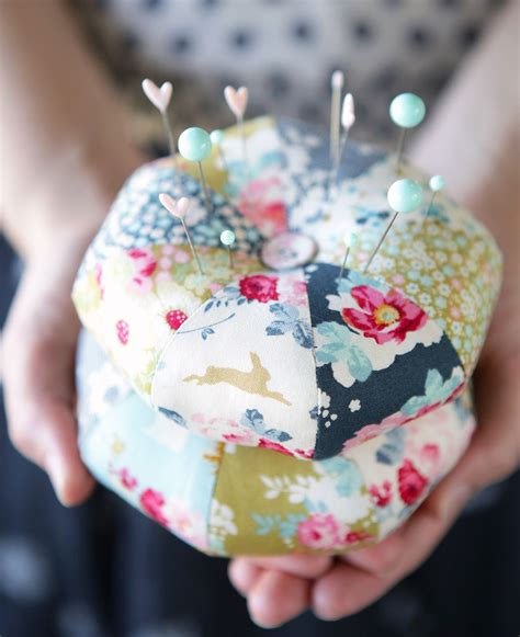 Patchwork Pincushions To Make - pincushions tildas world