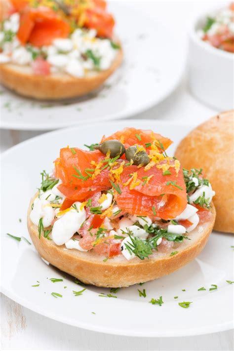 cucinare salmone affumicato ricette con salmone affumicato senza cottura per l estate