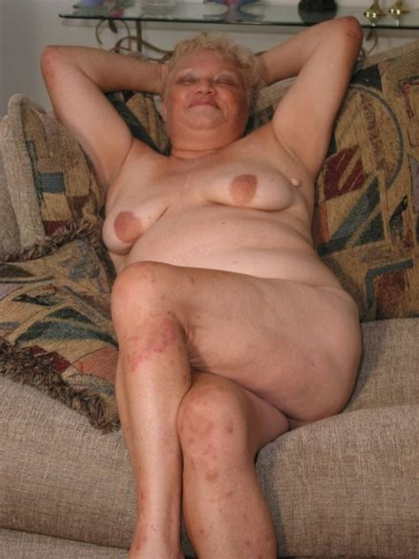 Pic In Gallery Fat Nude Granny Showing Her Stuff