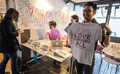 Make Money Selling T Shirts Online - the noob guide to make money by selling t shirts online blog helpline