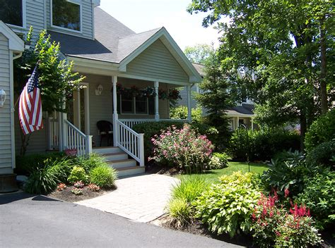 house landscaping does house landscaping increase home value retaining
