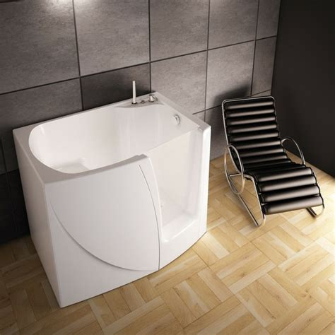 baignoire sabot pas cher baignoire d angle et solutions pour petits espaces