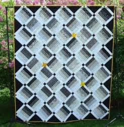 6 beautiful black and white quilt patterns