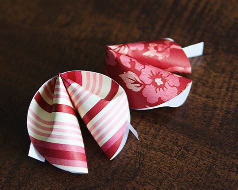 Make Paper Fortune Cookies - paper fortune cookies valentines