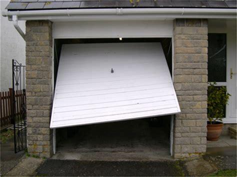 Garage Door Replacement Uk Garage Door Repairs Servicing Wiltshire