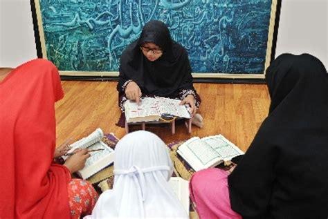 Bolehkah Wanita Datang Bulan Membaca Alquran Membaca Alquran Saat Haid Republika Online