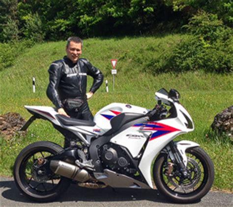 Motorradfahren Wiedereinstieg by Web House Motorrad