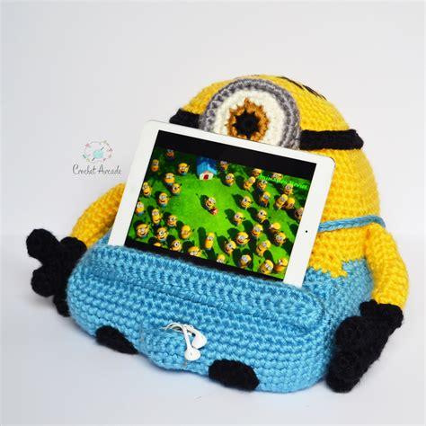 pattern for tablet holder stuart book tablet holder crochet pattern crochet arcade