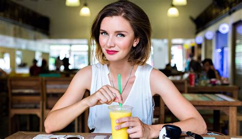 hot dating tips 16 first date tips for girls to dazzle your date