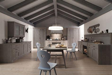 cucine in abete cucina lineare in abete massiccio scandola mobili
