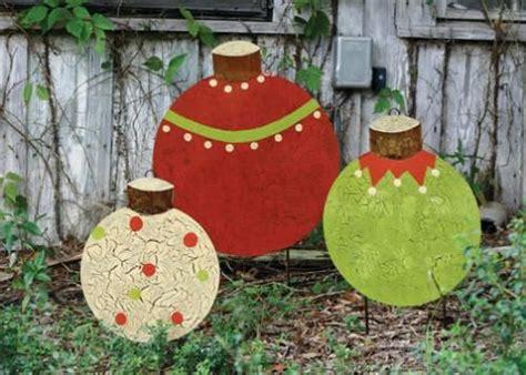 12 days of christmas metal yard art corrugated metal bulbs three painted metal ornament yard stakes