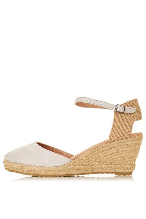 topshop closed toe sandals lyst topshop wade closed toe espadrilles in
