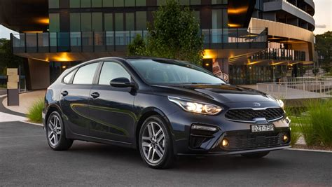 Kia Cerato Hatch 2019 by Kia Cerato Sport Plus 2019 Review Snapshot Carsguide