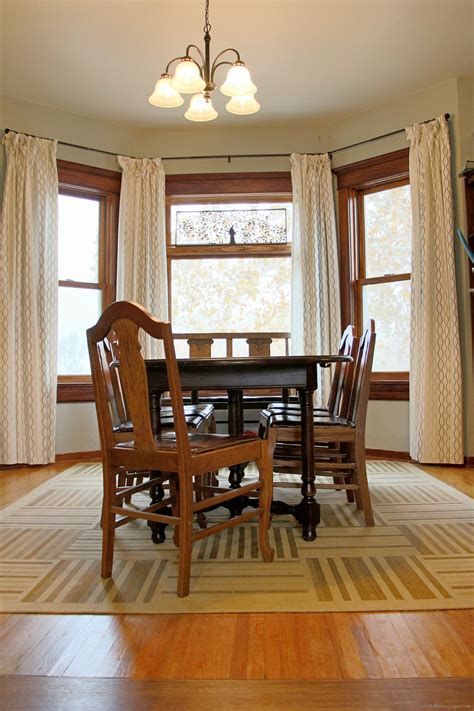 Area Rug In Dining Room Guestpost Thoughts On Dining Room Area Rugs Sawdust And Embryos