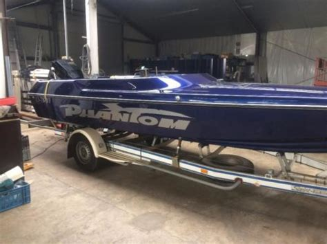 speedboot phantom phantom 21 ft speedboot met 150pk mercury v6 en trailer