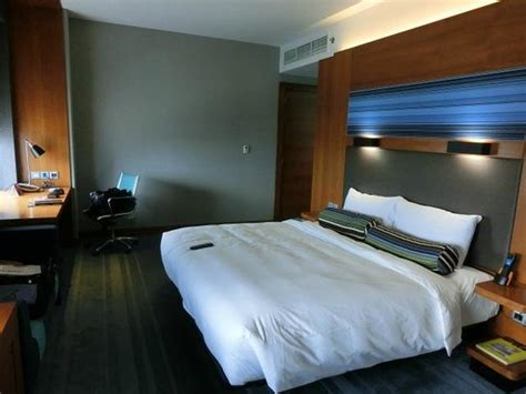 Abu Dhabi Hotel Rooms by Bedroom Picture Of Aloft Abu Dhabi Abu Dhabi Tripadvisor