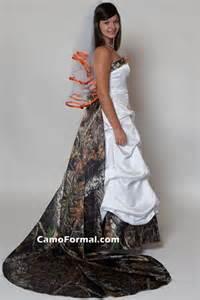 Camo Wedding Dresses Camo Wedding Dress Is Not So Hard To Spot