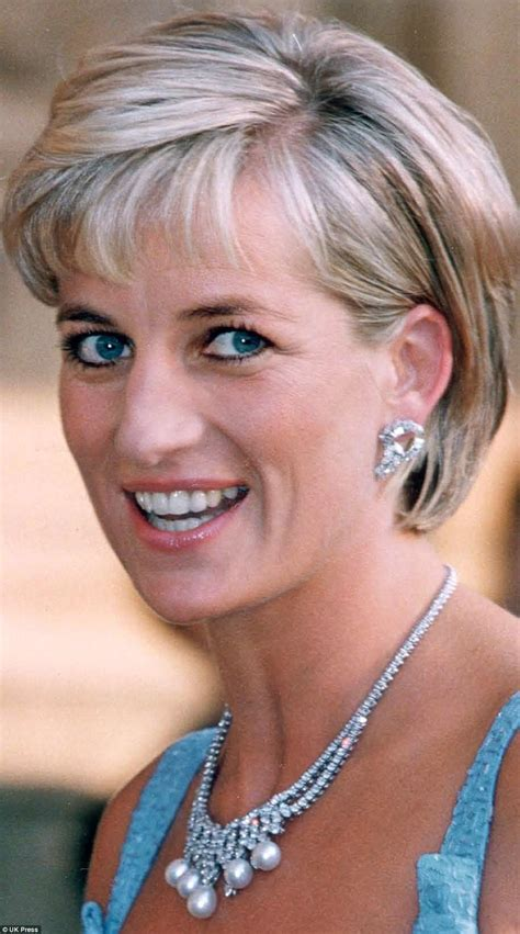 princess di hairstyles diana hairstyle that was her crowning glory daily mail