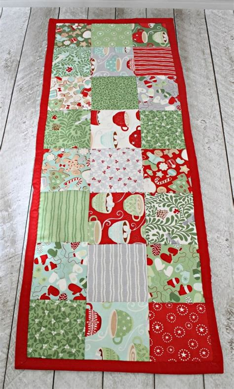 sewing pattern table runner easy table runner sewing pattern allfreesewing com