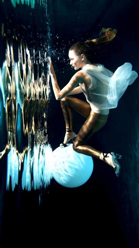 54 best underwater images on pinterest high fashion photography 54 best beautiful underwater photography images on