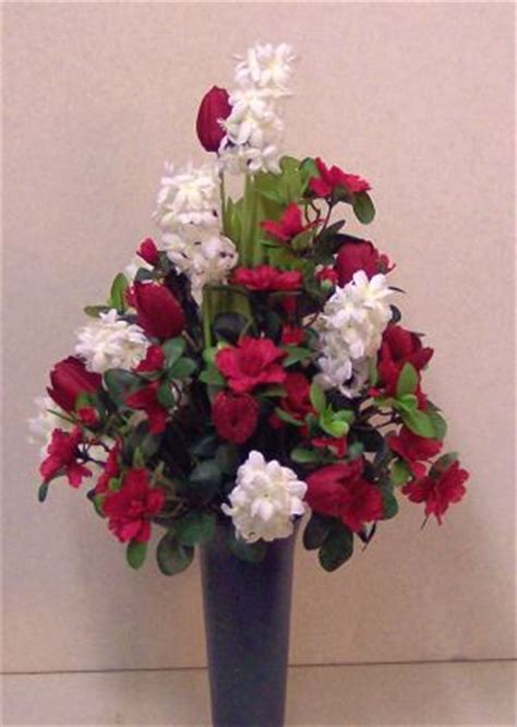 Silk Flowers For Cemetery Vases by 17 Best Images About Cemetery Flowers On Wedding Arrangements Floral Arrangements