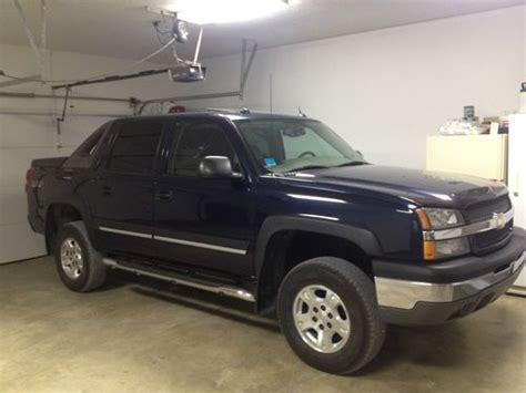 purchase used 2004 chevrolet avalanche 1500 z71 crew cab purchase used 2004 chevrolet avalanche 1500 z71 crew cab pickup 4 door 5 3l in west lafayette