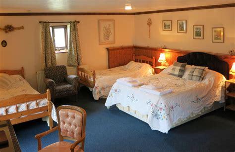family bedroom barley barn en suite family bedroom huxtable farm