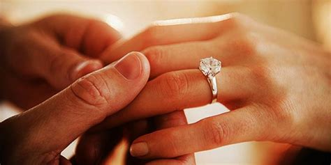 5 reasons to choose antique engagement rings