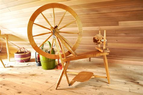 Handmade Spinning Wheel - legume loyalist spinning wheel