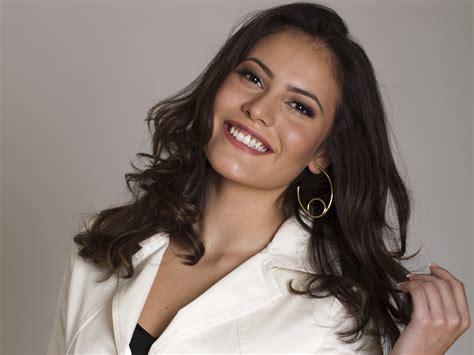Records Carolina Carolina Dias Acerta A Record E Estar 225 Em A Terra Prometida Tv Foco