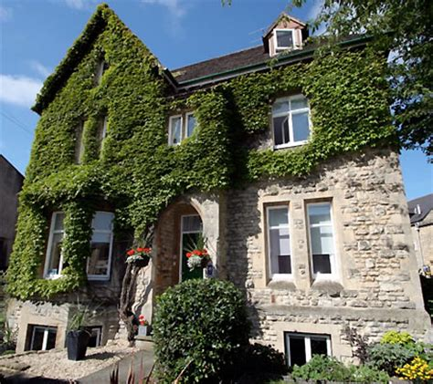 The Ivy House Bed And Breakfast Cirencester