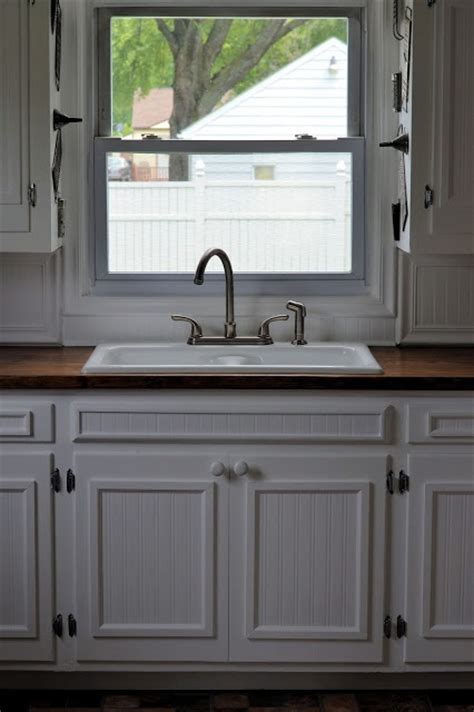 redoing kitchen cabinet doors 25 best ideas about cabinet door makeover on pinterest