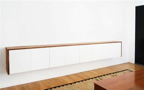 Mimimalist by Sideboard H 228 Ngend An Der Wand F 252 R Eine Schicke