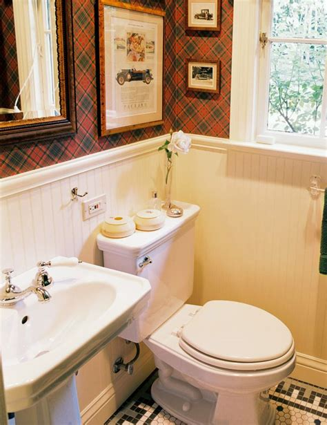 bathroom in english 1000 ideas about plaid wallpaper on pinterest chair