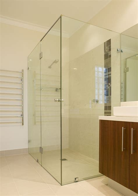 Shower Screens Doors Dlg Aluminium Glazing Showerscreens Dlg Aluminium Glazing