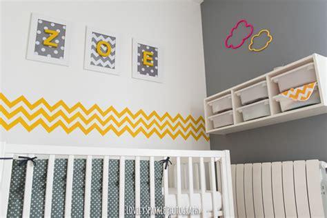 chambre enfant jaune deco chambre bebe jaune et gris visuel 1
