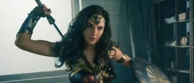 Lady In Bathtub The Shining Wonder Woman Trailer