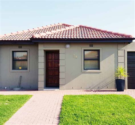 Houses To Buy In Montclair Cape Town