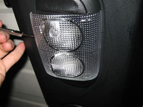 jeep wrangler dome light replacement jeep wrangler dome light bulbs replacement guide 003