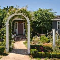 Garden Arch Crossword Clue Gardens We And Arches On