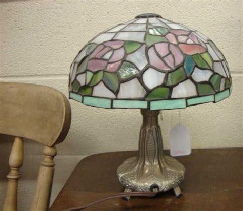 tiffany style bedside ls tiffany style bedside table lamp