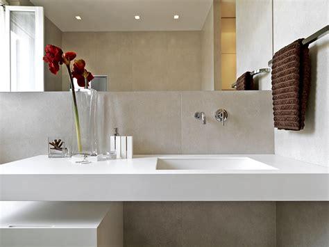 wie ein badezimmer umgestaltet mit diesen 8 tipps wirkt ein kleines badezimmer gr 246 223 er